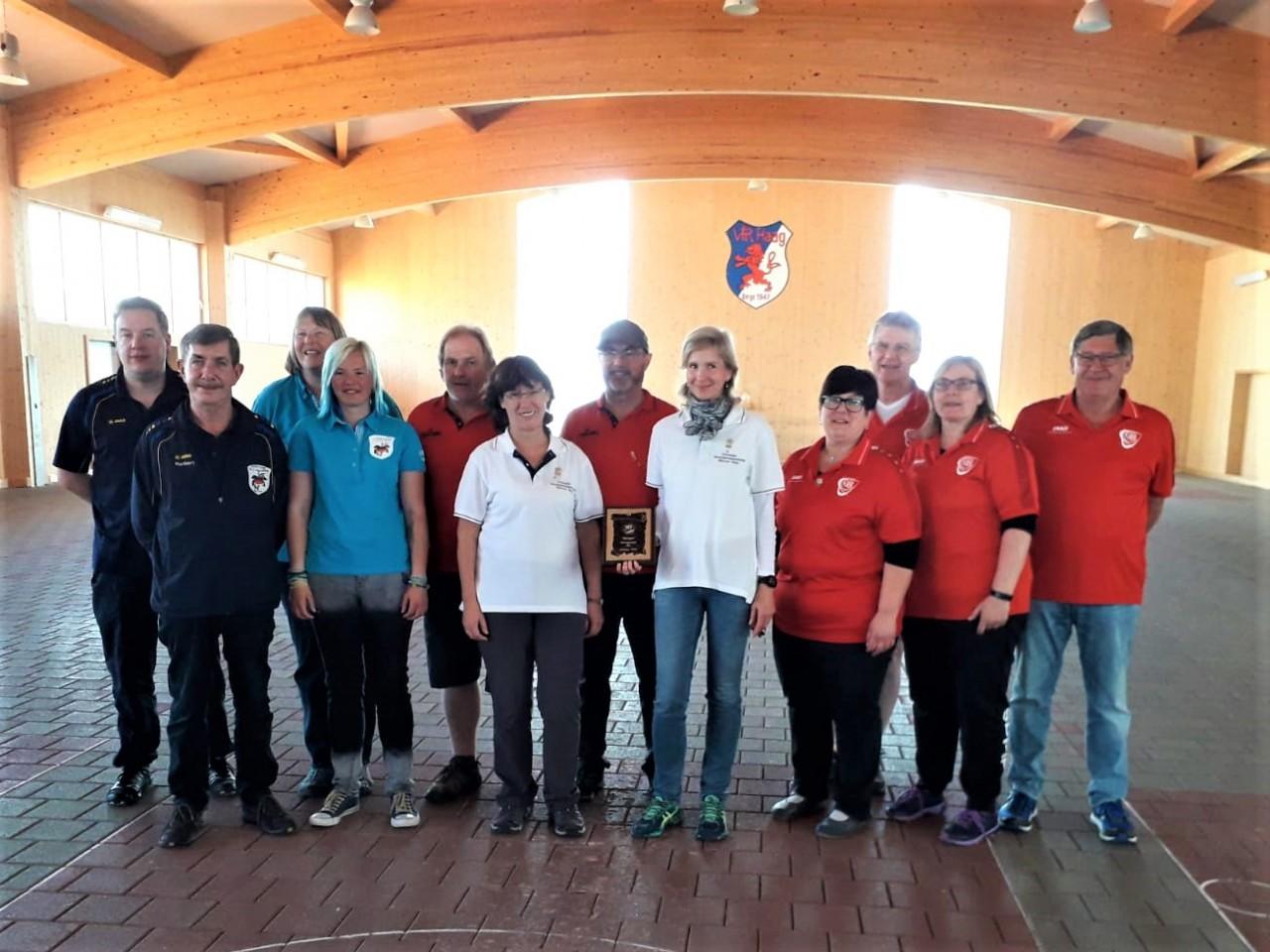 Stockschiessen: Hallbergmooser Mixed Mannschaften werden dritte und vierte