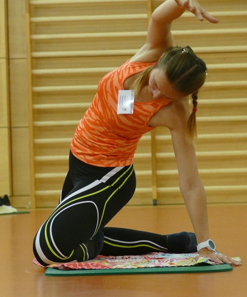 Trainerinnen des Fitness-Forums  bieten Übungsvideos an