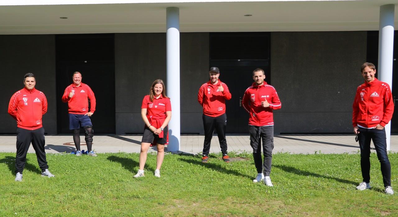 14 VfB-Trainer nutzen die trainingsfreie Zeit um sich fort zu bilden