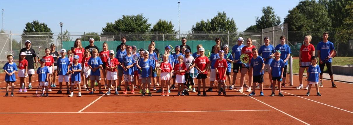 Tennis-Camp mit 44 Kindern und viel Sonne