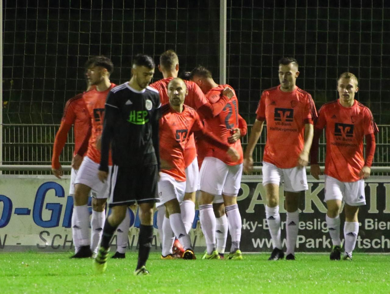 Hallbergmoos gewinnt mit 3:2 gegen Holzkirchen