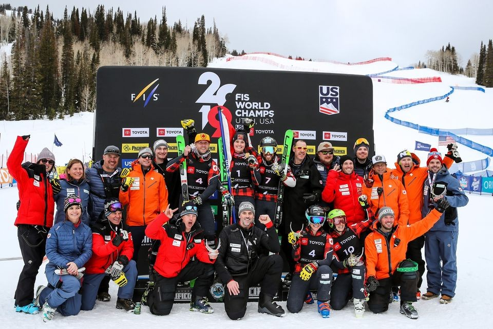 Kanadisches Ski-Cross-Team zu Gast